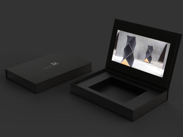 Подарочная коробка с экраном LCD